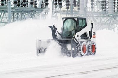 Bobcat_S205_SSL_with_snowblower