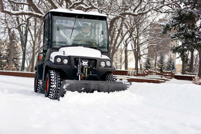 Bobcat_Utility_Vehicle_2300_with_Snow_Blade